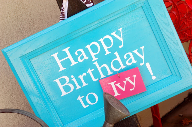 DIY interchangeable birthday sign